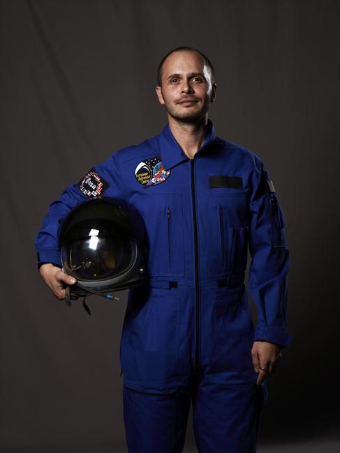 Romaric Tisserand, Archives Fictives, NASA, The Laika's Dream, Momo galerie, NASA Patch, astronaut portrait, Le rêve de laika, the laika dream, apollo mission 21, romaric tisserand