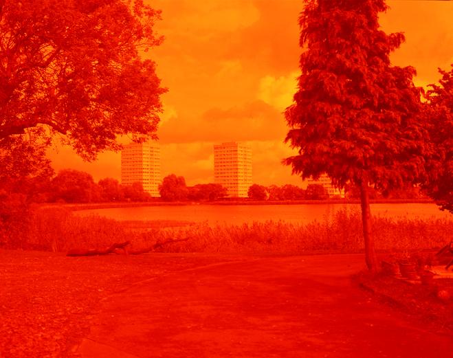 ROMARIC_TISSERAND_PHOTOGRAPHY_LONDON_RED_PHOTOGRAPHY_DATA_CENTER_009